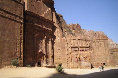 Petra ville sculptée dans la roche et Wadi Rum (Mövenpick)